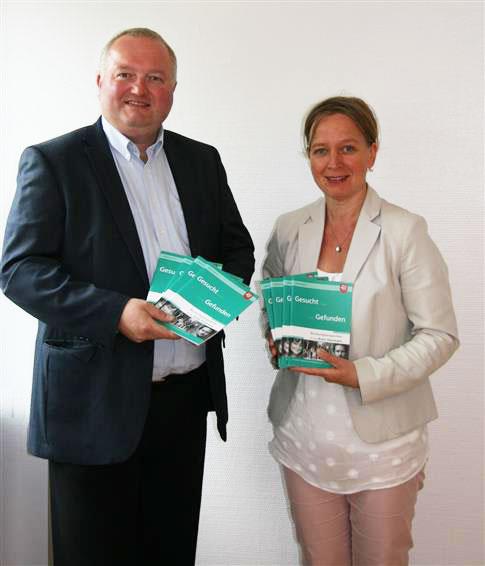 d1ed249ff13022 Gleichstellungsbeauftragte Birte Kruse-Gobrecht und Landrat Dr. Henning  Görtz